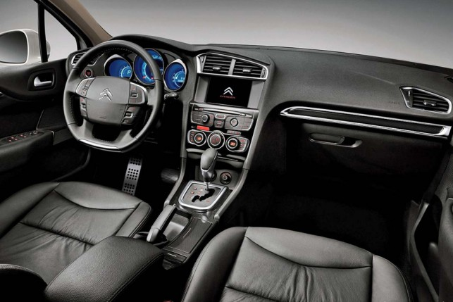 Novo Citroen C4 Lounge 2016 - Interior