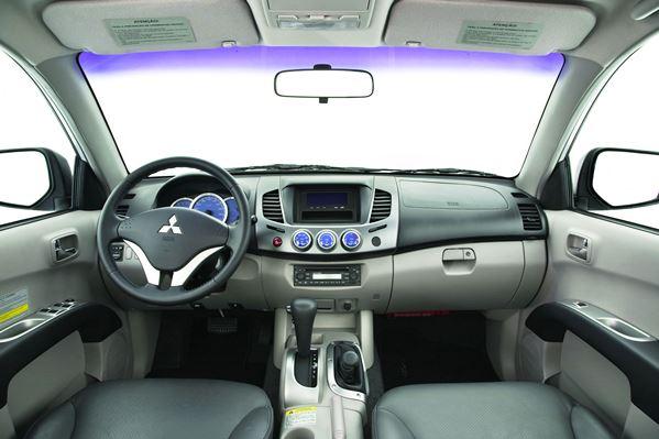Nova L200 Triton 2016 - Interior