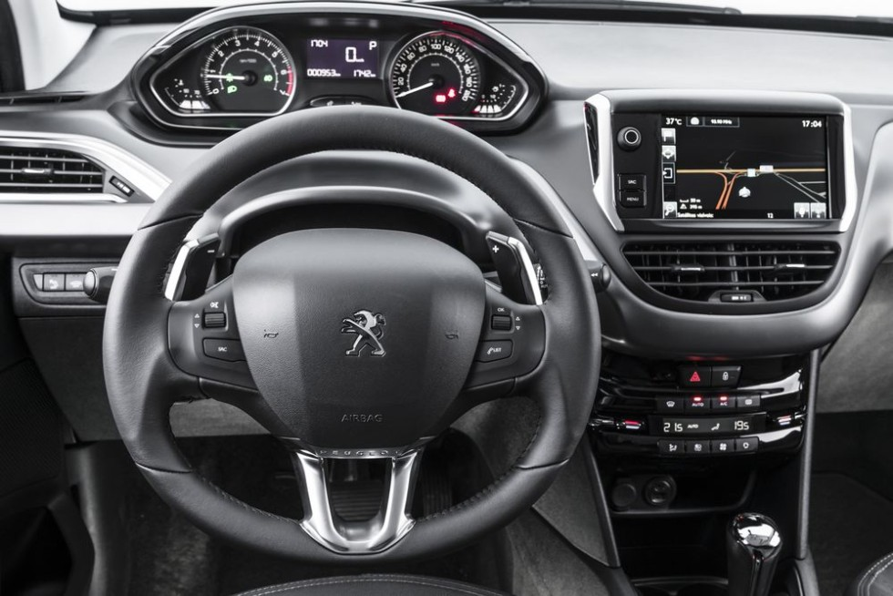 Novo peugeot 208 2016 pre o ficha t cnica avalia o for Peugeot 208 interior 2017