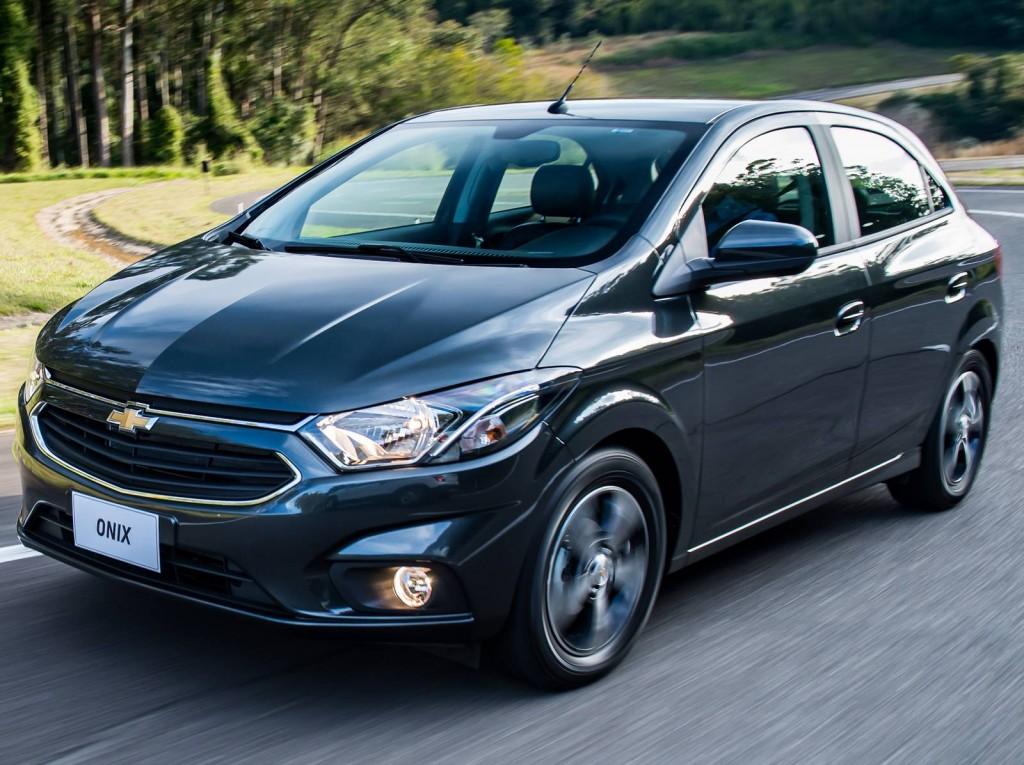 Hyundai HB20 ou Chevrolet Onix 2017 - Preço